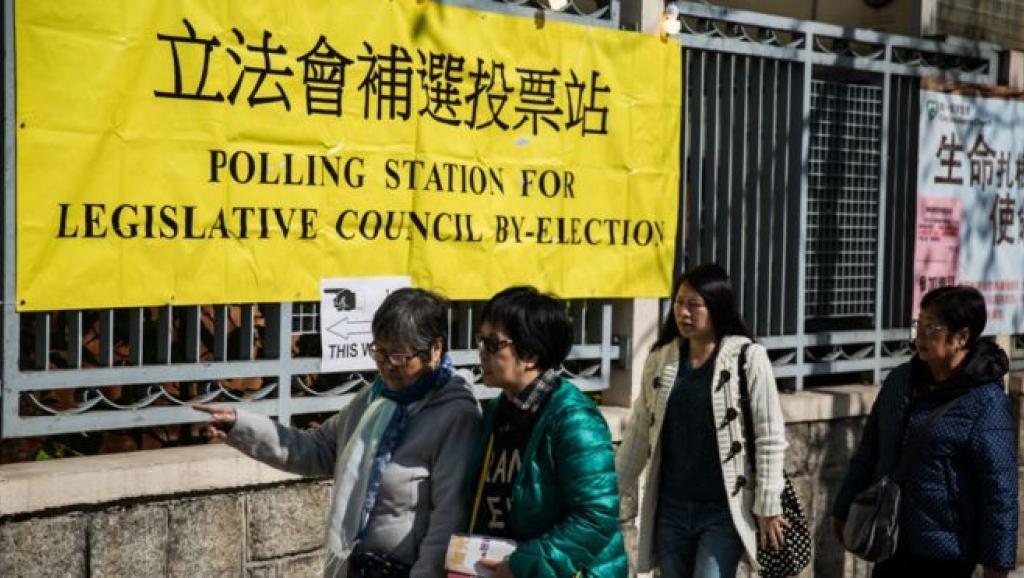 [新聞] 立法會親北京候選人疑似謊報學歷被質疑